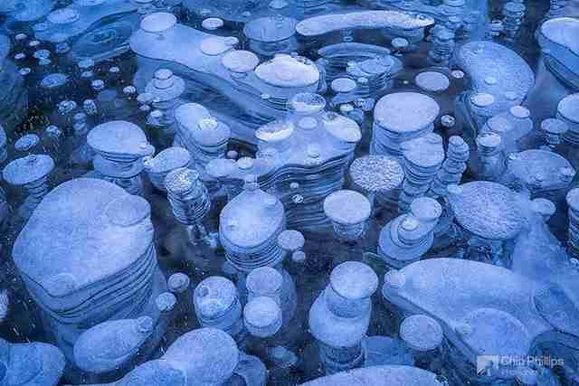 Φυσαλίδες στην λίμνη Αβραάμ στον Καναδά