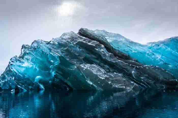 Βρήκε κάτι πολύ σπάνιο στην Ανταρκτική. Οι φωτογραφίες του κόβουν την ανάσα.