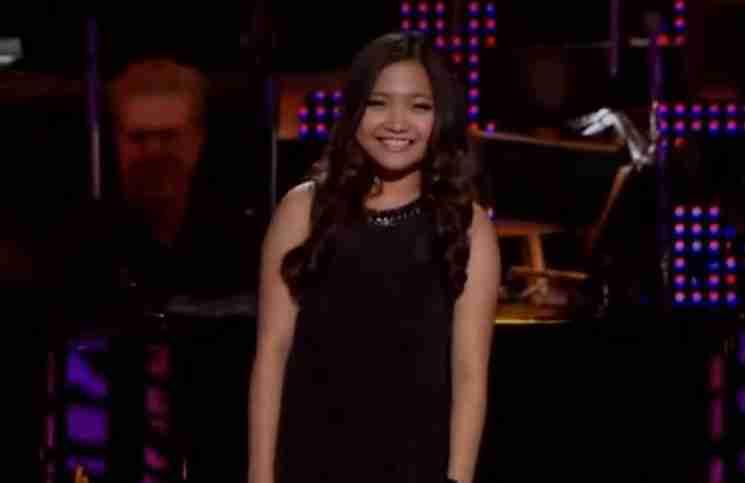 Ο πιανίστας μένει άφωνος με τις φωνητικές ικανότητες αυτού του κοριτσιού! Δείτε το βίντεο
