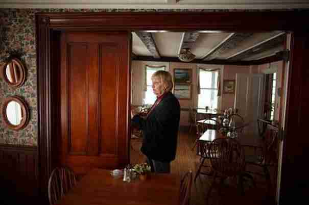 Μια γυναίκα στη Νέα Αγγλία πουλάει το ξενοδοχείο της. Αλλά δεν θέλει χρήματα!