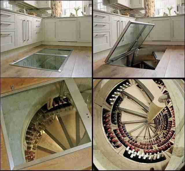 Ένα κρυφό κελάρι στο πάτωμα της κουζίνας.