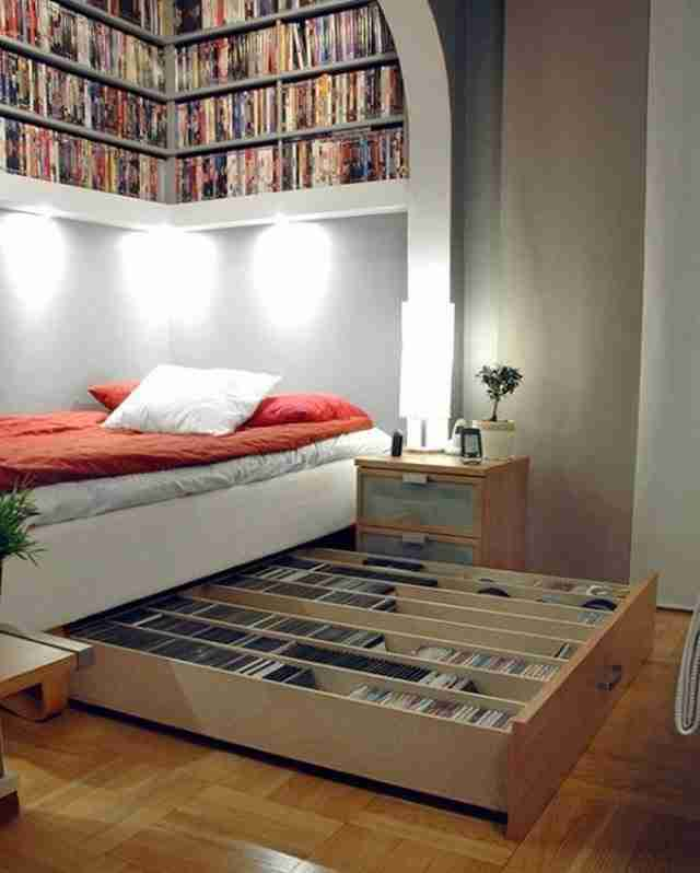 Το τέλειο μέρος για να τοποθετήσετε τα βιβλία και τα DVD.