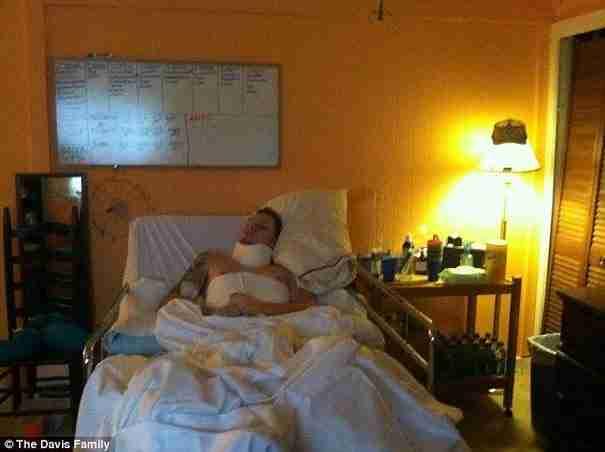 Ξύπνησε έπειτα από 3 μήνες σε κώμα και δεν θυμάται την γυναίκα του. Λέει όμως ότι την αγαπάει περισσότερο