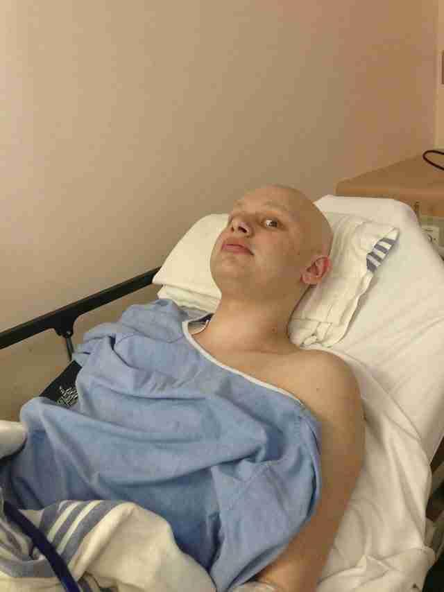 Πάντα κεφάτος και με όρεξη ανέβαζε χιουμοριστικές φωτογραφίες πριν τις χημειοθεραπείες του.