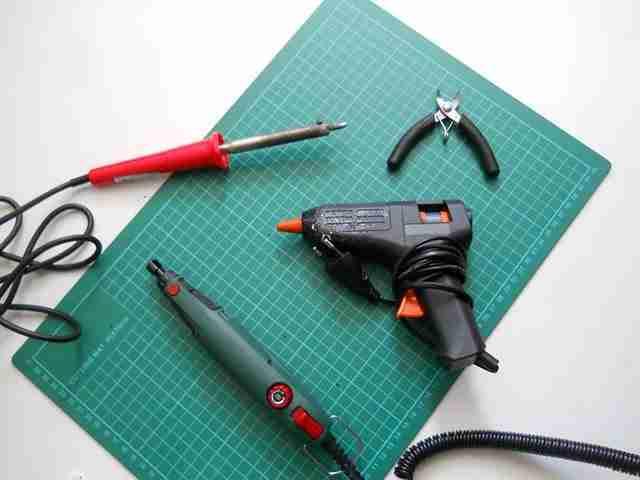 Μερικά από τα εργαλεία που χρησιμοποίησε ...