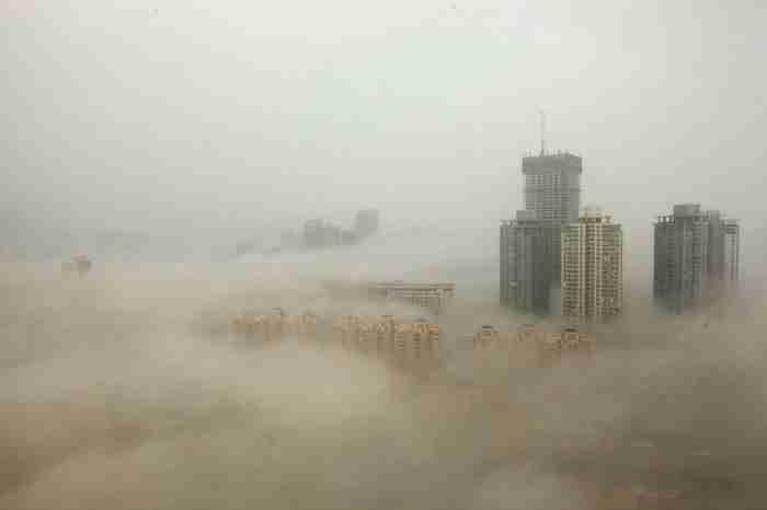 Το Πεκίνο κάτω από ένα σύννεφο αιθαλομίχλης