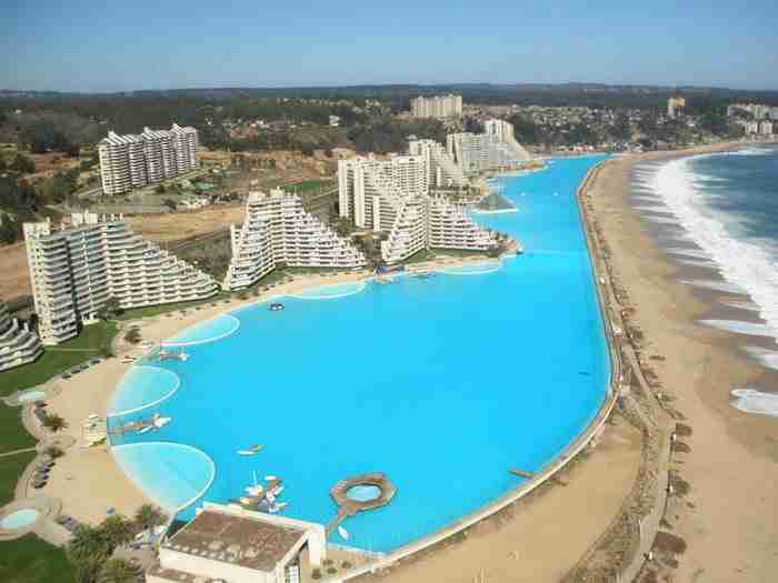 Η πισίνα άνοιξε για το κοινό το 2006. Από εκείνη την ημέρα την επισκέπτεται πλήθος κόσμου για να βουτήξει στα νερά της.