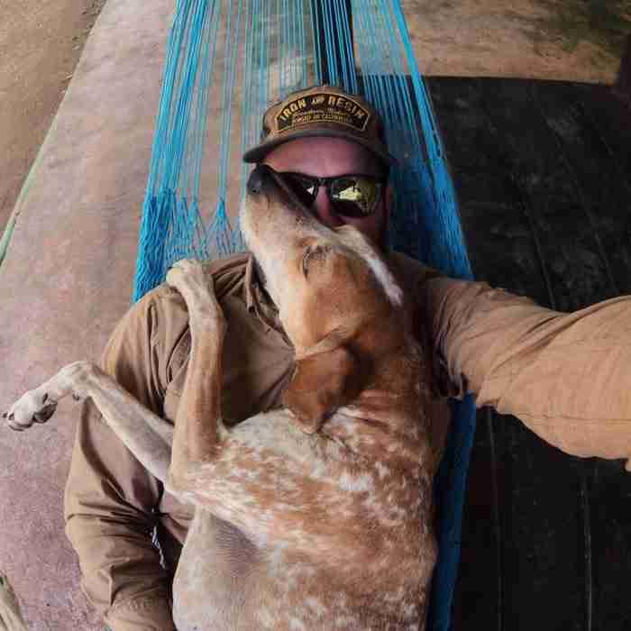 Όταν υιοθέτησε ένα αδέσποτο σκυλάκι αποφάσισε να του κάνει ένα ανεπανάληπτο δώρο!