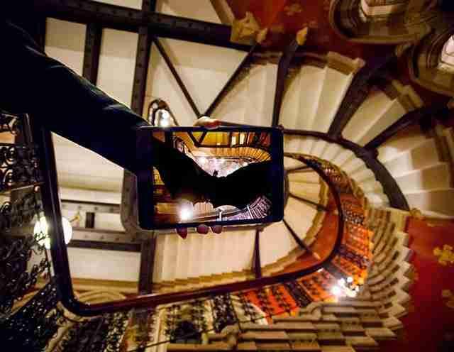 Batman Begins/St. Pancras Hotel, Λονδίνο