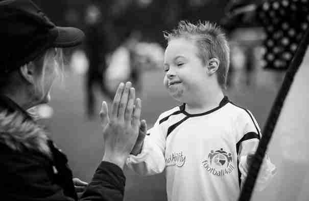 Η συγκινητική ιστορία του μικρού Χένρι που έχει σύνδρομο Down