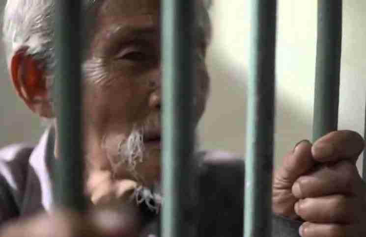 Ένας ηλικιωμένος φυλακίστηκε για κάτι που δεν έκανε. Αυτό που συνέβη στη συνέχεια θα αγγίξει την καρδιά σας