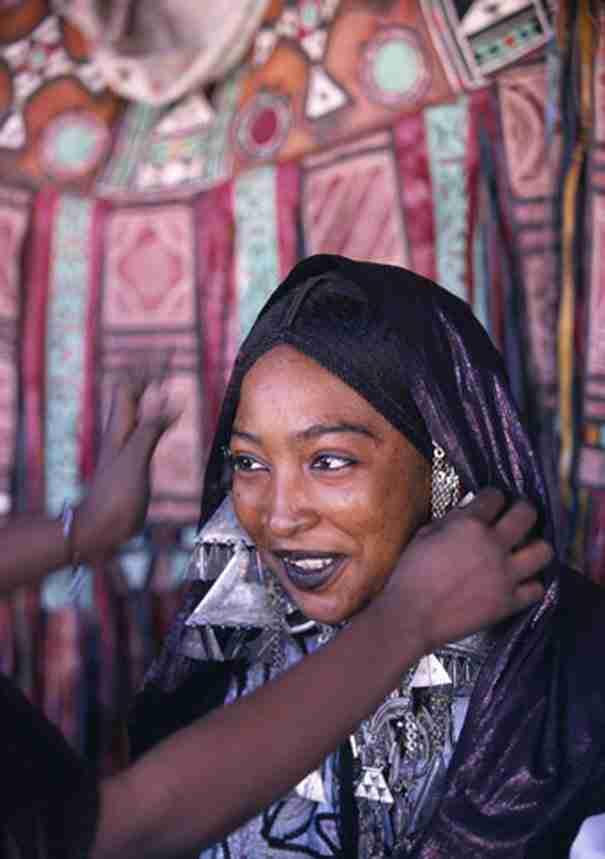Οι άγνωστες γυναίκες Τουαρέγκ: Είναι μουσουλμάνες αλλά έχουν ελεύθερη ερωτική ζωή ενώ παίρνουν και διαζύγια