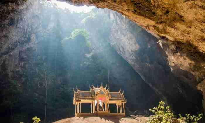 Σπήλαιο Phraya Nakhon, Ταϊλάνδη