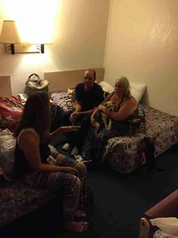 Νοίκιασαν ένα δωμάτιο ενός ξενοδοχείου για να μείνει ο Στηβ