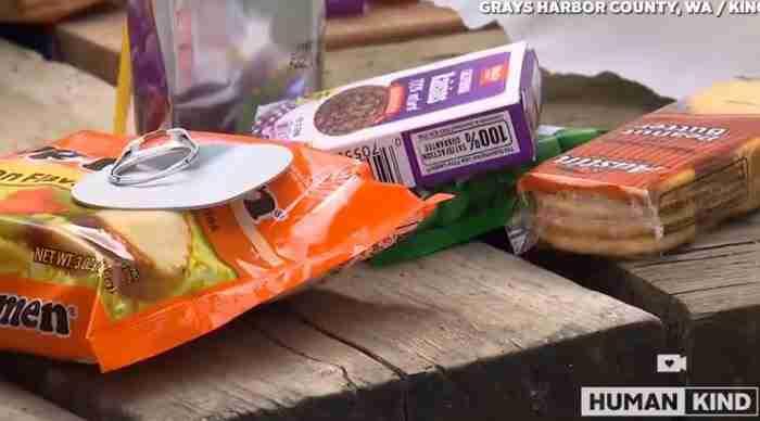 Η Shaughnessy προμηθεύεται τα τρόφιμα μέσω μιας μη κερδοσκοπικής οργάνωσης που ονομάζεται Green Lantern Lunches.