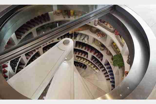 Ένα τεράστιο υπόγειο ψυγείο