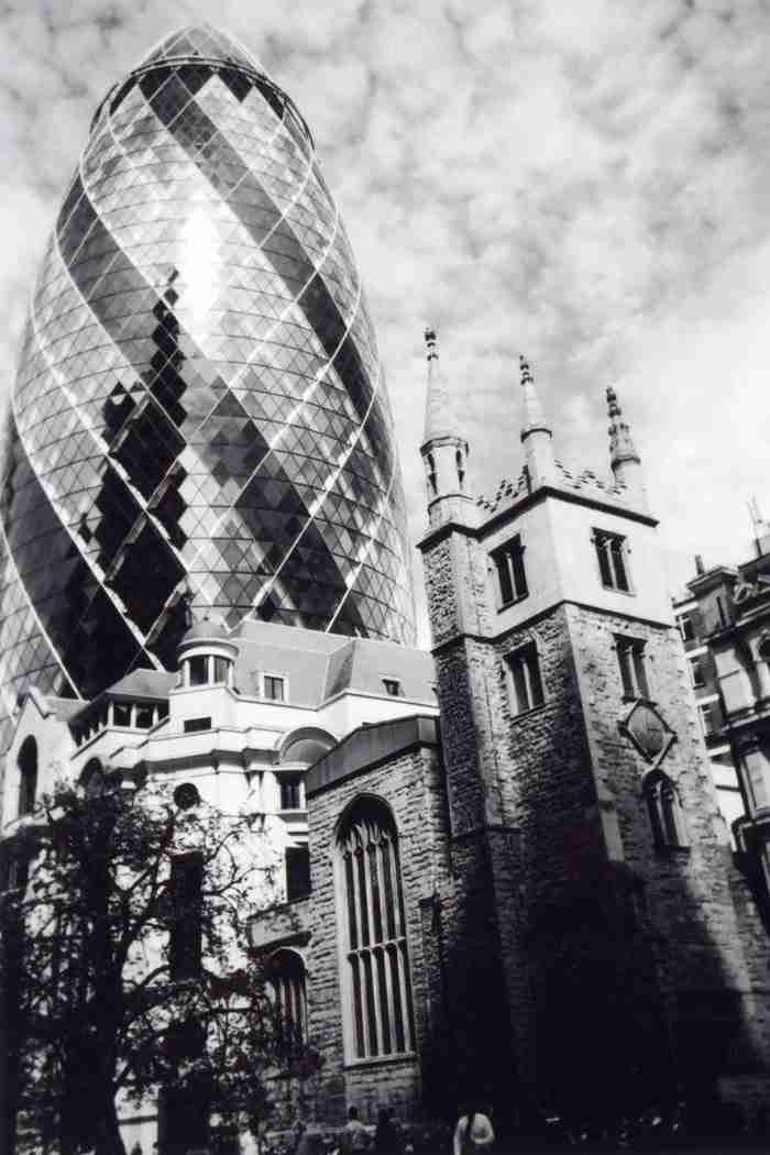 """""""Παρελθόν και Παρόν, Πόλη του Λονδίνου"""" της Ioanna Zagkana"""