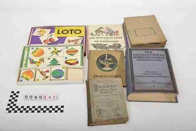 Μερικά από τα πακέτα, τα οποία έχουν μείνει ανέγγιχτα για 70 χρόνια, ήταν τυλιγμένα με καφέ χαρτί.