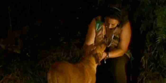 Εκεί, κάθε βράδυ, η Λιλίκα έχει ραντεβού με μια συγκεκριμένη γυναίκα: Την καθηγήτρια Λουσία Έλενα Ντε Σόουζα.