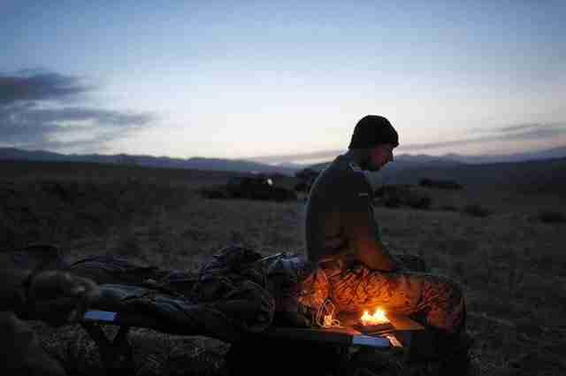 Ένας Γερμανός στρατιώτης γιορτάζει τα 34η γενέθλιά του στις πεδιάδες του Αφγανιστάν.