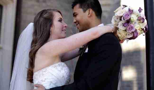 Οι συγγενείς και οι φίλοι τους, τους βοήθησαν να συγκεντρώσουν 52.000 δολάρια. Χρήματα που χρησιμοποίησαν για να οργανώσουν το γάμο του ονείρου τους!