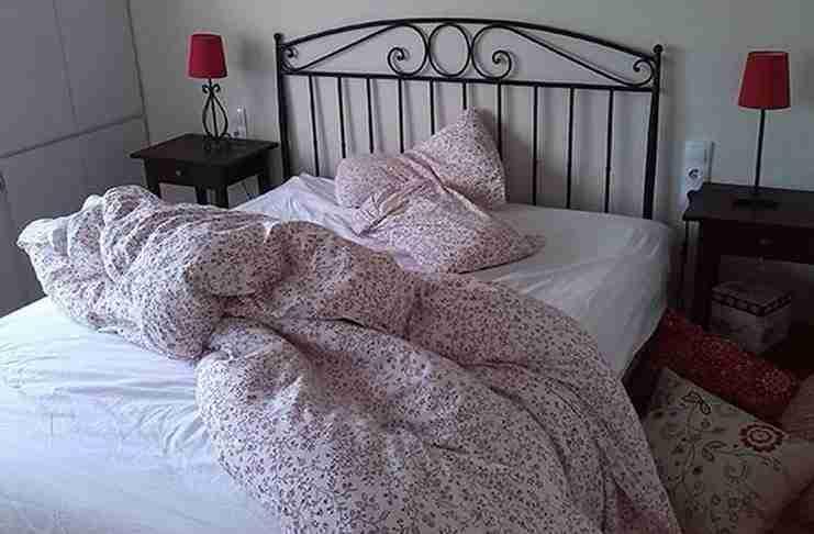 Αυτός είναι ο λόγος που οι επιστήμονες λένε να μην φτιάχνετε το κρεβάτι σας κάθε μέρα