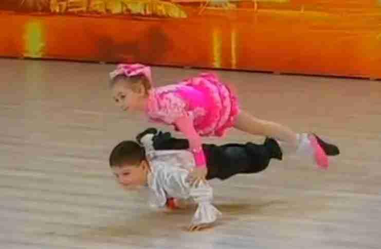 Μοιάζουν τόσο μικρά και πολύ χαριτωμένα. Αλλά.. δείτε τι κάνουν!!