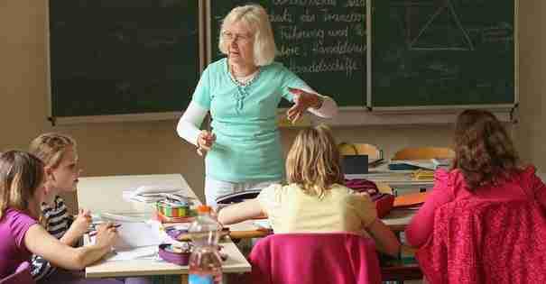 Δισεκατομμυριούχος δίνει από τα δικά του χρήματα αύξηση 15000 δολάρια στους εκπαιδευτικούς το χρόνο