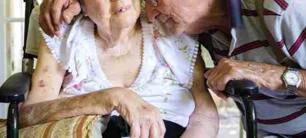 Ένας 80χρονος βιάζονταν να δει τη γυναίκα του. Ο λόγος είναι πολύ συγκινητικός
