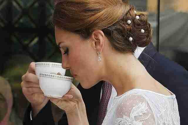 Οι Άγγλοι πίνουν περισσότερο τσάι από οποιοδήποτε άλλο λαό στον κόσμο.