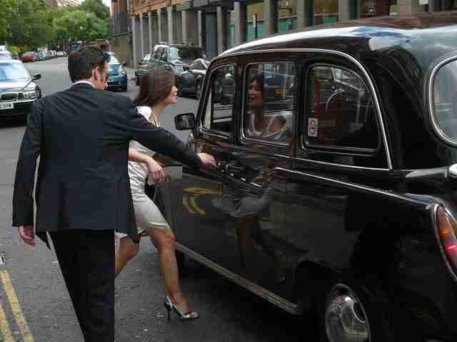 Χρειάζεται κάτι περισσότερο από μια άδεια οδήγησης για να οδηγήσεις ένα από τα μαύρα ταξί του Λονδίνου.