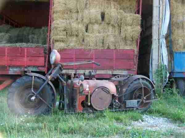 Πήρε ένα παλιό τρακτέρ και το μετέτρεψε σε κάτι που δεν φαντάζεστε..