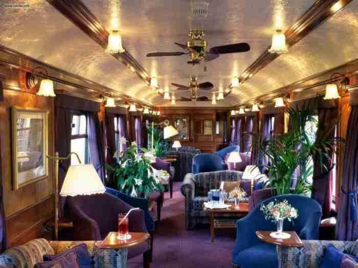 Το Orient Express κυκλοφορεί ξανά στην Ευρώπη και μπορούν όλοι να το πάρουν