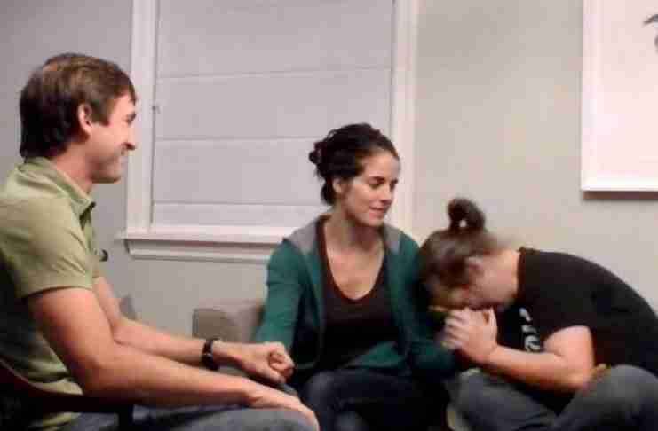 Πήραν σπίτι τους δοκιμαστικά ένα προβληματικό κορίτσι. 6 μήνες μετά ήρθε η ώρα να της ανακοινώσουν την απόφαση τους..