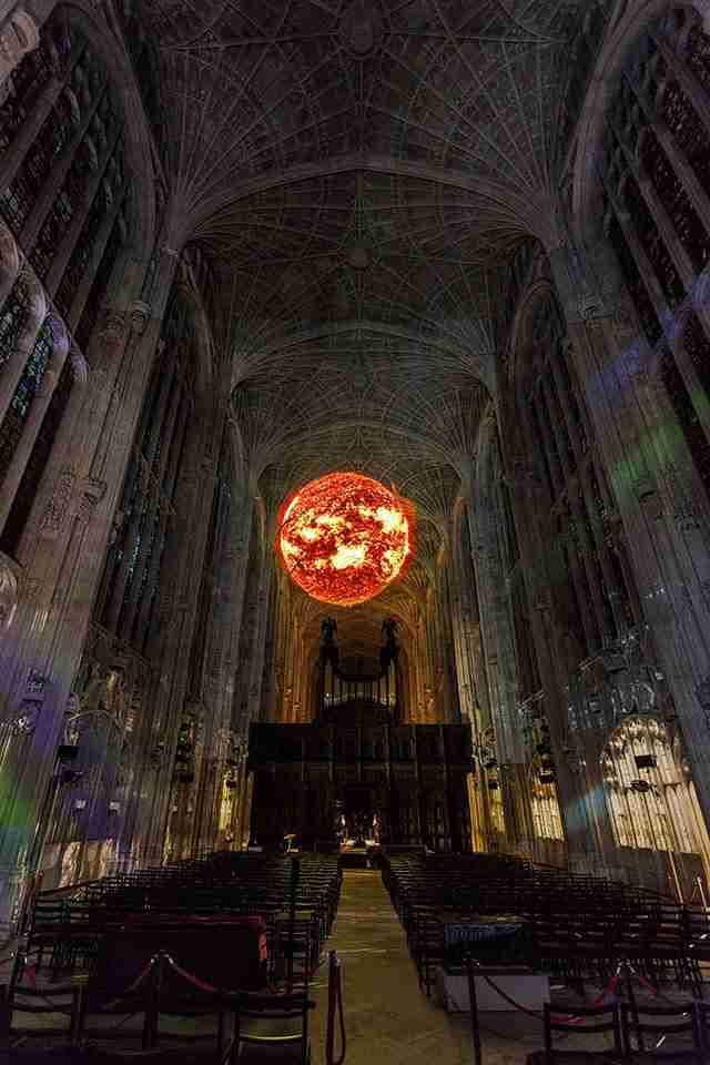 Γοτθικό παρεκκλήσι του 16ου αιώνα τις νύχτες μετατρέπεται σε έναστρο ουρανό