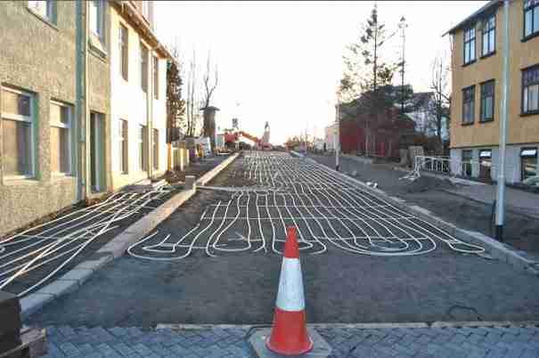 Στη Νορβηγία τοποθετούν ενδοδαπέδια θέρμανση σε δρόμους και πεζοδρόμια!