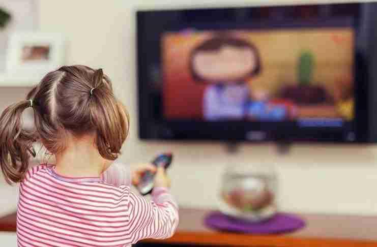 Γνωρίζετε τι ζημιά μπορεί να κάνει η τηλεόραση σε ένα παιδί;