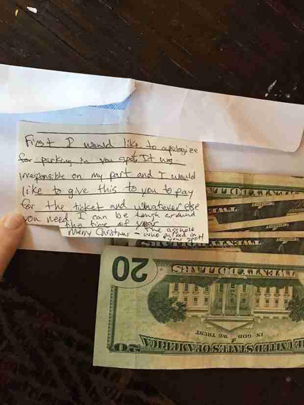 Άφησε ένα θυμωμένο σημείωμα στον άγνωστο που της έκλεψε το πάρκινγκ. Η απάντηση του ήταν σοκαριστική.