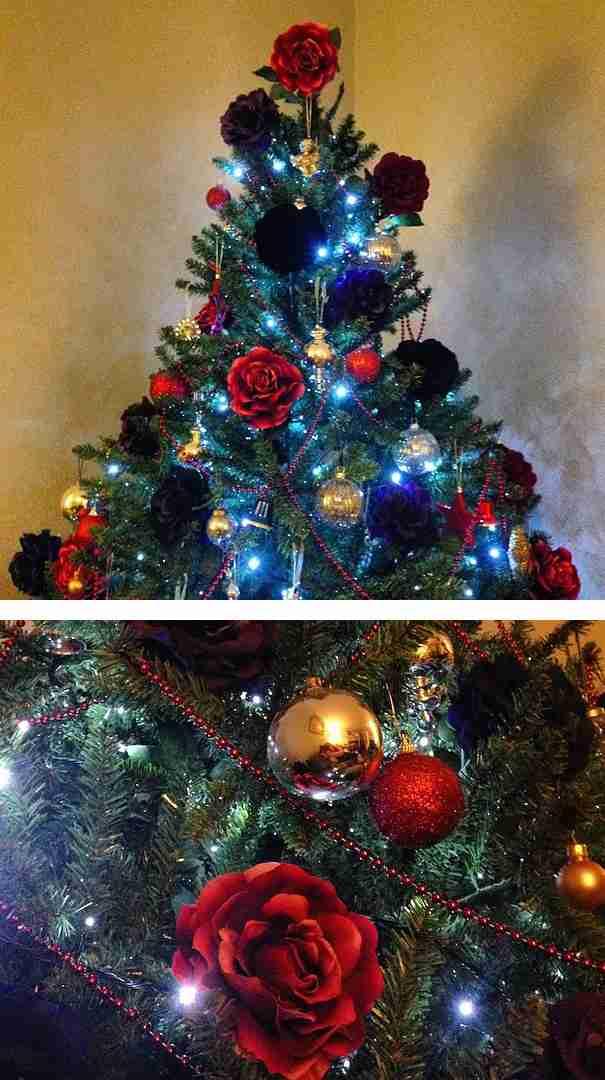 Αντί για στολίδια, κρέμασαν στα Χριστουγεννιάτικα δέντρα τους λουλούδια. Το αποτέλεσμα είναι υπέροχο!
