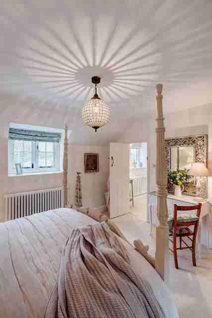 Το σπίτι ηλικίας 300 ετών που εξωτερικά δεν μοιάζει κάτι ιδιαίτερο, μέχρι να περάσεις στο εσωτερικό του