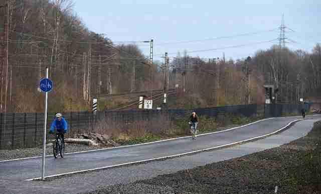 Στη Γερμανία κατασκευάζουν ποδηλατόδρομο μήκους 100 χιλιομέτρων