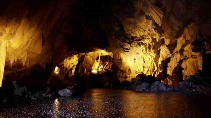 """Η μαγευτική σπηλιά που είχε τη φήμη ότι """"έκρυβε"""" έναν.. δράκο στη Καστοριά"""