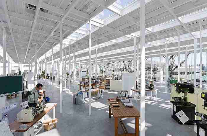 Αρχιτέκτονας σχεδίασε το πρώτο σχολείο εξ ολοκλήρου από γυαλί