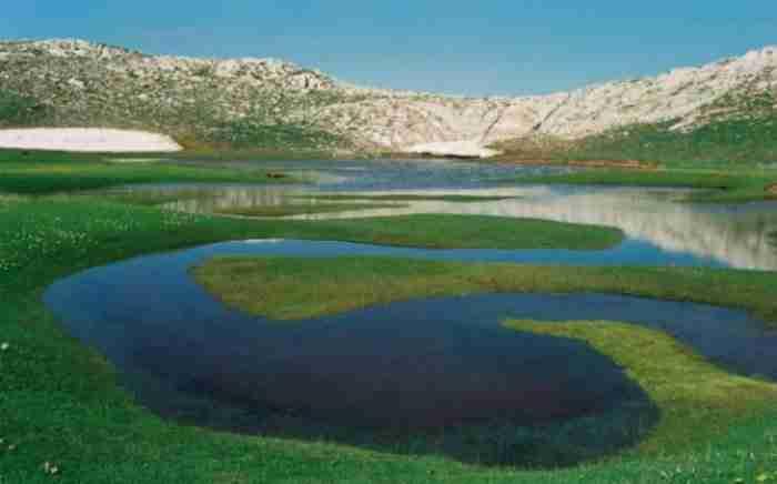 Δρακόλιμνες της Ελλάδας: Τα γαλάζια στολίδια των ελληνικών βουνών