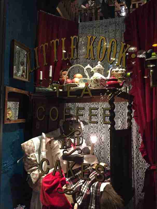 Υπάρχει ένα μικρό μαγαζάκι στου Ψυρρή που είναι βγαλμένο από παραμύθι!