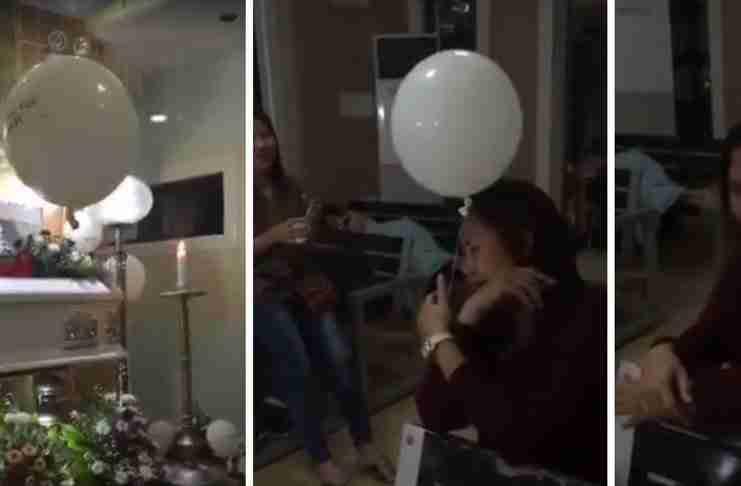 Ένα λευκό μπαλόνι φεύγει από τη θέση του και παρηγορεί μια μητέρα που μόλις έχασε το γιο της