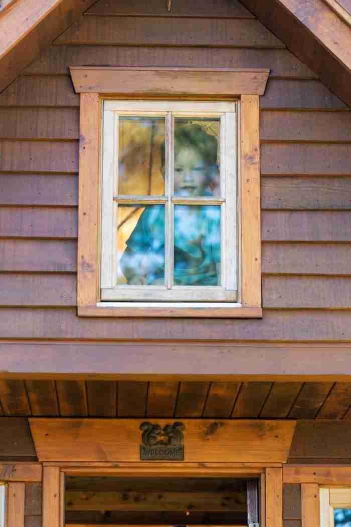 Ζει σε σπίτι 8 τ. μέτρων, έχει στη κατοχή της μόνο 305 αντικείμενα αλλά είναι ευτυχισμένη!