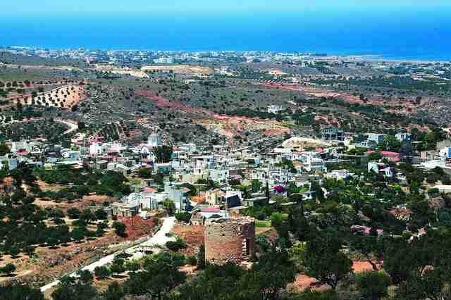 Υπάρχει ένα χωριό στην Ελλάδα όπου δεν καπνίζει κανείς. Μόνο οι καμινάδες των σπιτιών!