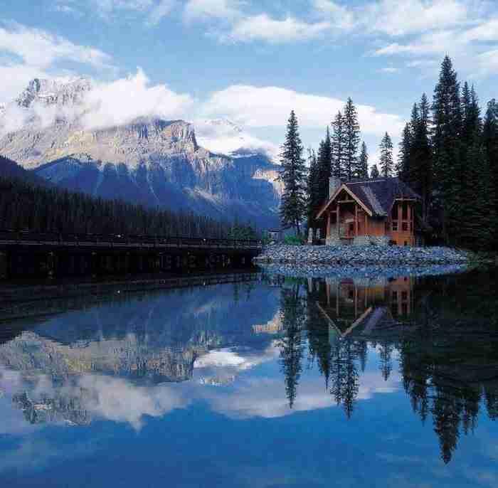 20 σπίτια τόσο όμορφα που μοιάζουν σαν να ξεπήδησαν από τα ωραιότερα παραμύθια!