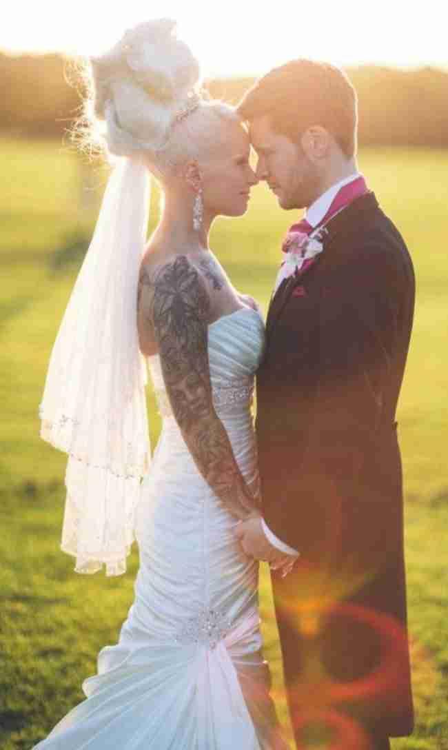 Αρνήθηκαν να παντρευτούν μέχρι να αδυνατίσουν. Και τα κατάφεραν!
